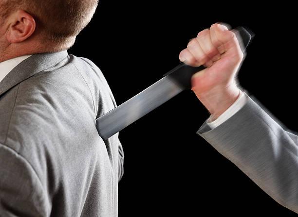 Pag/Cav: snudando il pugnale