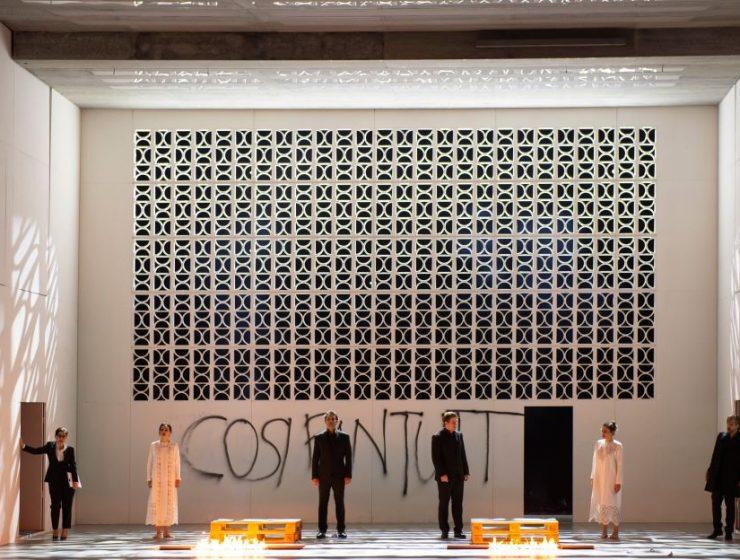 """""""Così fan tutte"""" in Zürich, alias De dood van opera."""