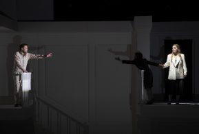 Muzikale leiding Riccardo Minasi Regie Claus Guth Decor en kostuums Christian Schmidt Licht Joachim Klein Video Andi A. Müller Choreografie Ramses Sigl Dramaturgie Konrad Kuhn Orkest Concerto Köln Rodelinda Lucy Crowe Bertarido Bejun Mehta Grimoaldo Bernard Richter Eduige Katarina Bradić Unulfo Lawrence Zazzo Garibaldo Luca Tittoto Flavio Fabián Augusto Gómez