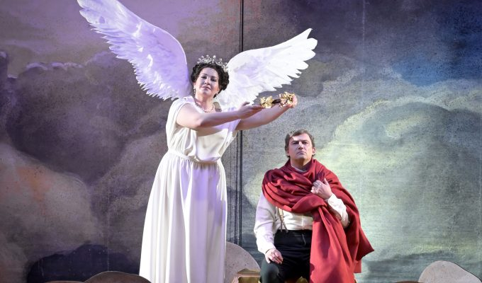 Lotte de Beer embraces the opera madness